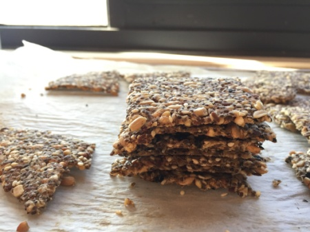seaweed seeded crackers